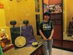 Trần Huyền tại bảo tàng dân tộc học